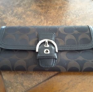 Coach Signature wallet, trifold with buckle snap